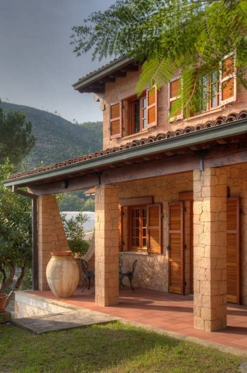 Casas de estilo rústico por Emilio Rescigno - Fotografia Immobiliare
