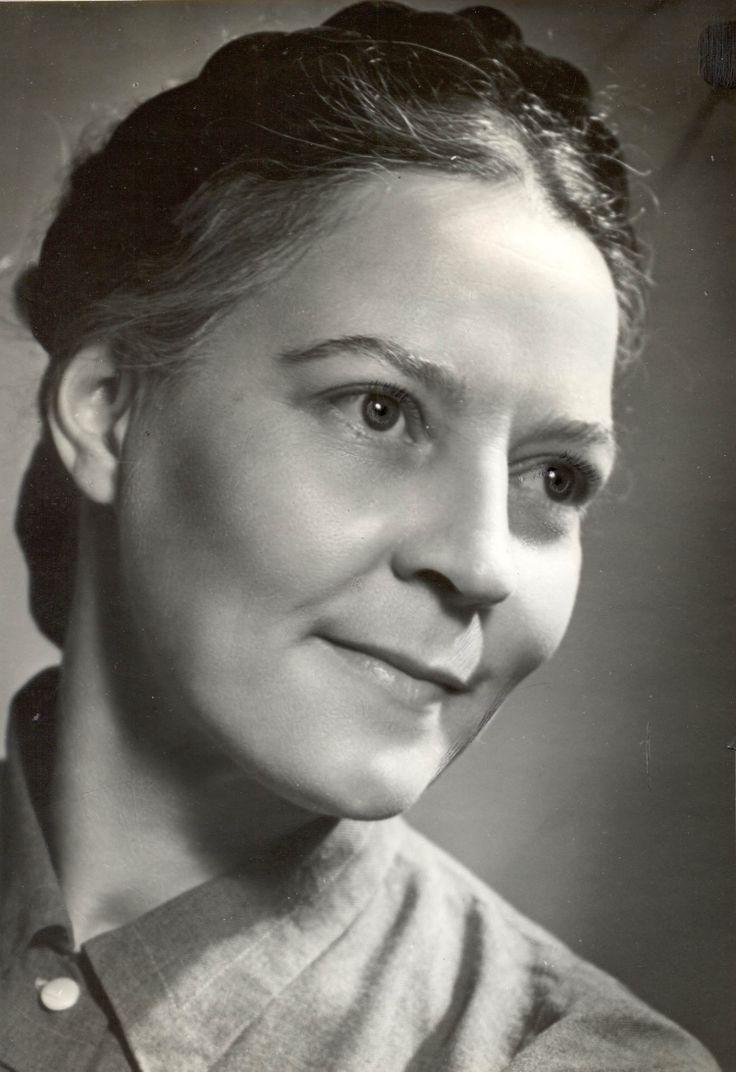 Anna Neethling-Pohl - aktrise & verhoogkunstenaar