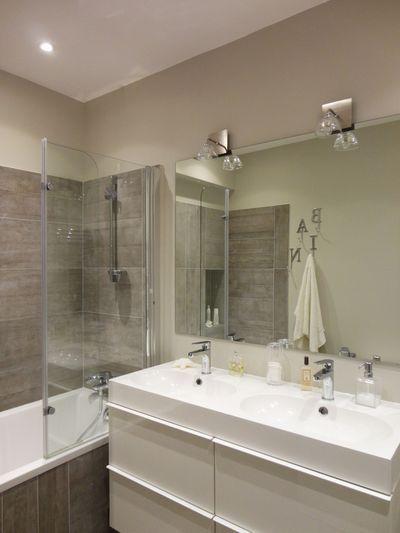 38 best idee salle de bain images on Pinterest | Bathroom, A photo ...