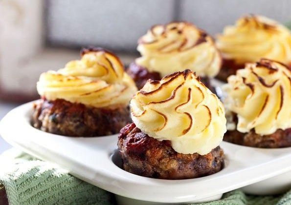 Tussengerecht: Gehaktbrood in muffinvormpjes met toefje aardappelpuree