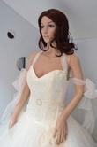 Superbe robe de mariée bustier taffeta et dentelle avec petite ceinture organza et boucle en strass