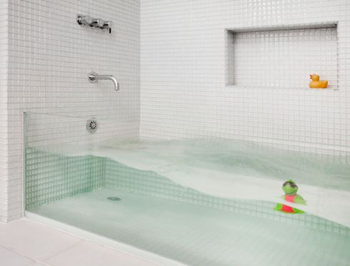 Make a Big Splash: Clear Glass Tub