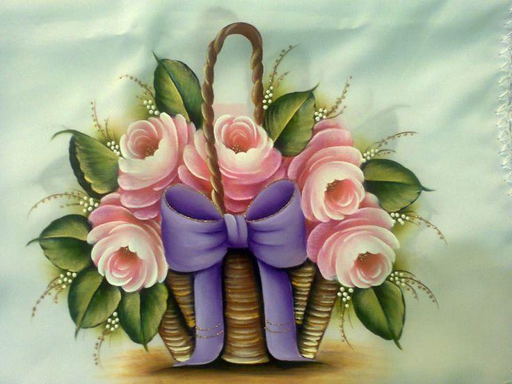 cesto com rosas