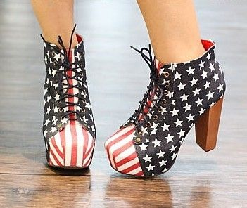 *** Free shipping on all shoes!! ***  Chunky heel, square toe, lace up American flag print boots.   Available in US sizes 5, 6, 6.5, 7.5 & 8,