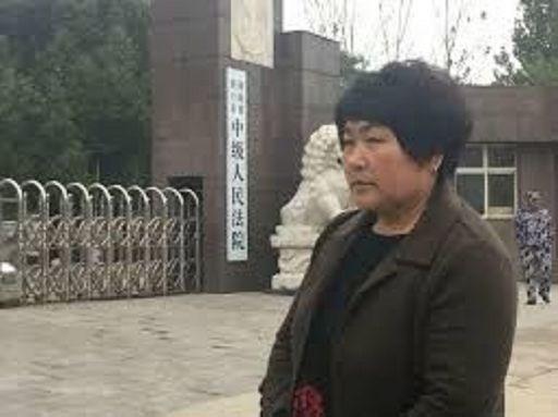 Cina, dà caccia ai 5 assassini del marito per 17 anni: tutti presi