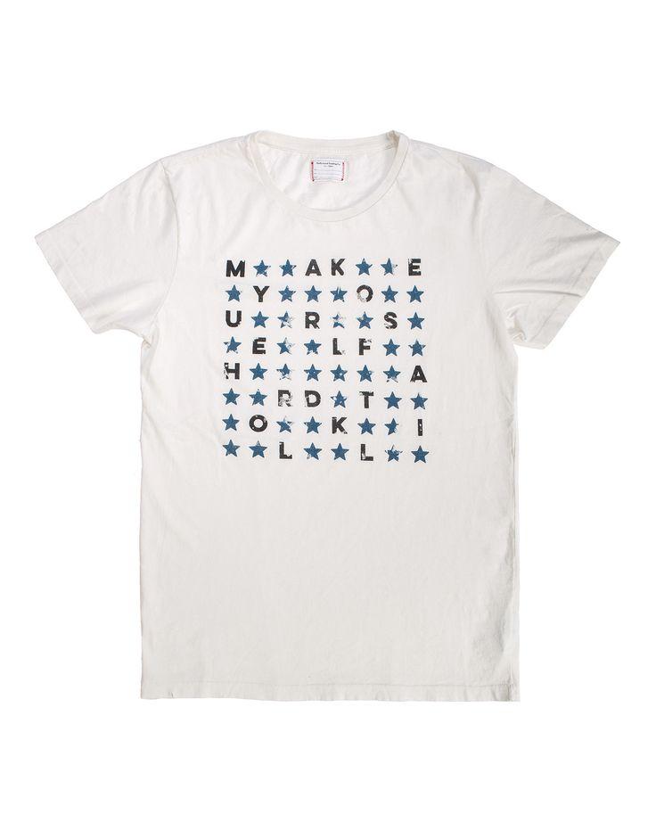 STAR T-SHIRT MAN - T-shirt in cotone bianca con stampe di lettere colore azzurro a formare un messaggio posizionate in centro sul fronte della maglietta. #htclosangeles #tradingcompany #losangeles #weareartisans #leather #handmade