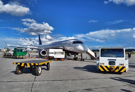 4 reasons for renting car service to Miami airport - If you have doubts about car service to Miami airport, our Transmiami team shows you the principal advantages of using it.    #carservice   #miami   #transportation