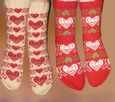 Ystävyys- ja joulu-sukat. Design: Vuokkis. Hand made by Vuokkis.