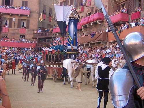 During the Palio everybody is dressed up in medieval costumes to celebrate this festival.