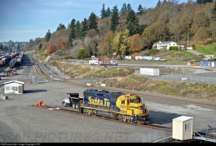 RailPictures.Net Photo: BNSF 2959 BNSF Railway EMD GP39-2 at Vancouver, Washington by J.PO