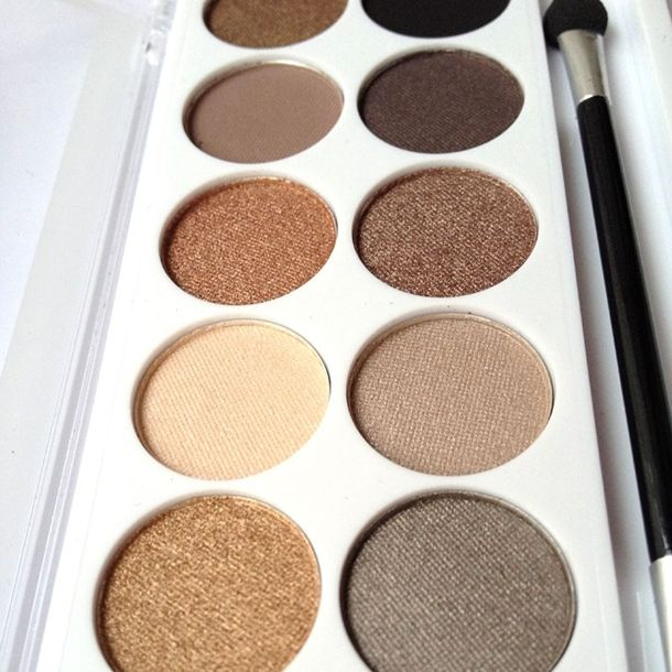 MUA Undress Me Too Palette...yes, they now have a dupe for the Naked 2