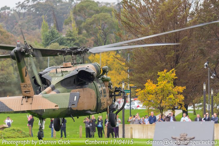 Aussie Blackhawk 205 about to touch down in #Canberra at Russell Offices 17/04/15 #avgeek #youradf #aeroausmag #army #digitalimages #canon