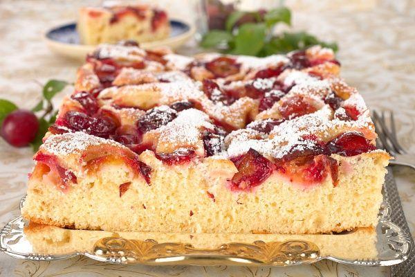 A fahéjas-szilvás süti az egyik legfinomabb őszi desszert, ráadásul olcsó, és kevés munka van vele.