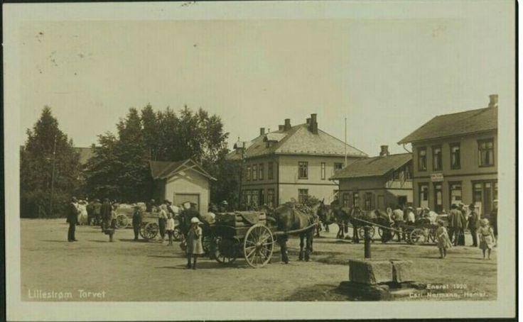 Lillestrøm torvet 1920 Küenholdt