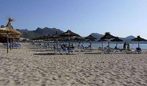 http://www.seemallorca.com/beaches/port-de-pollenca-beach-mallorca-puerto-pollensa-(pollenca)-660947