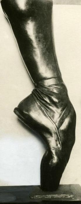 Bronze cast of Anna Pavlova's foot.