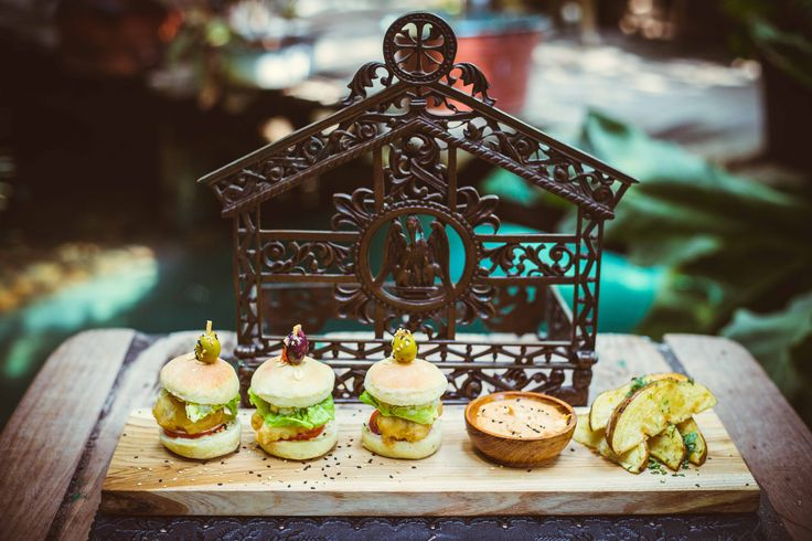 #bali #restaurant #bar #balirestaurant #balibar #food #drink #lunch #dinner #deco #lafavela #lafavelabali