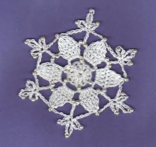 THREAD 'N' STITCHES: Star Bead Snowflake Pattern