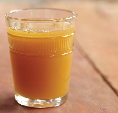 Quick and Easy Apple Juice made in the Vitamix Blender