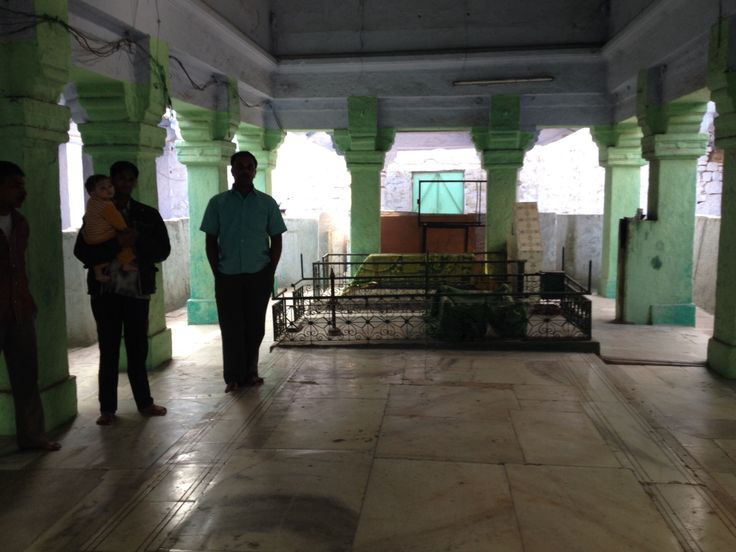 Inside the Dargah Qadam Sharif with the mujavir Zafar Miyan and some locals