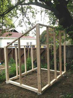 Serre de bois en construction