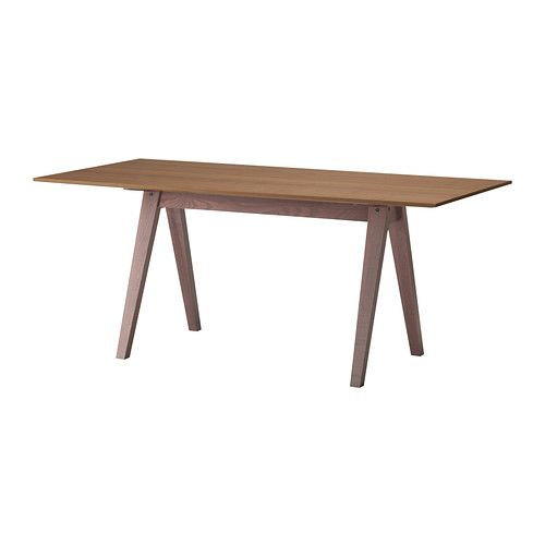 IKEA - STOCKHOLM, テーブル, テーブルトップはウォールナット材突き板仕上げ。脚はアッシュ無垢材製。温かみのあるナチュラルな印象を与えます耐久性に優れたウォールナットを使用。表面をラッカーコーティングすることで耐久性をさらにアップさせましたウォールナット材突き板を使用。一つひとつ木目模様が異なります