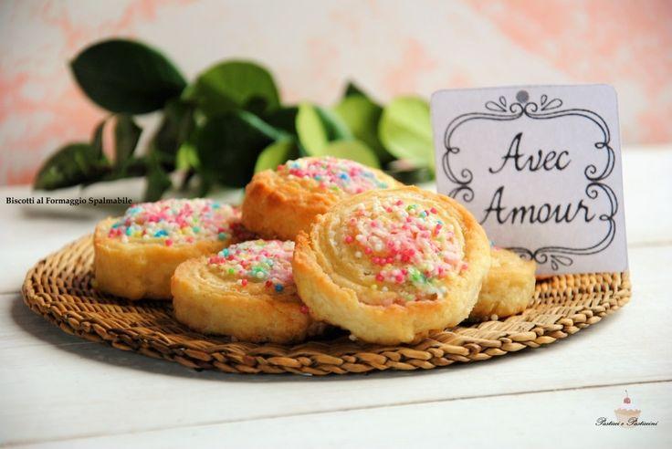 Non dovete assolutamente perdere questi Biscotti al Formaggio Cremoso, perchè sono a dir poco divini e facilissimi da preparare.