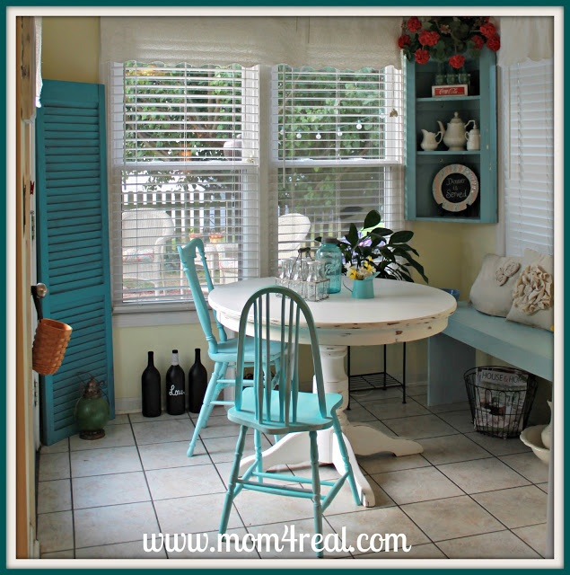 Painted Family Kitchen With Dining Nook: Best 25+ Painted Round Tables Ideas On Pinterest