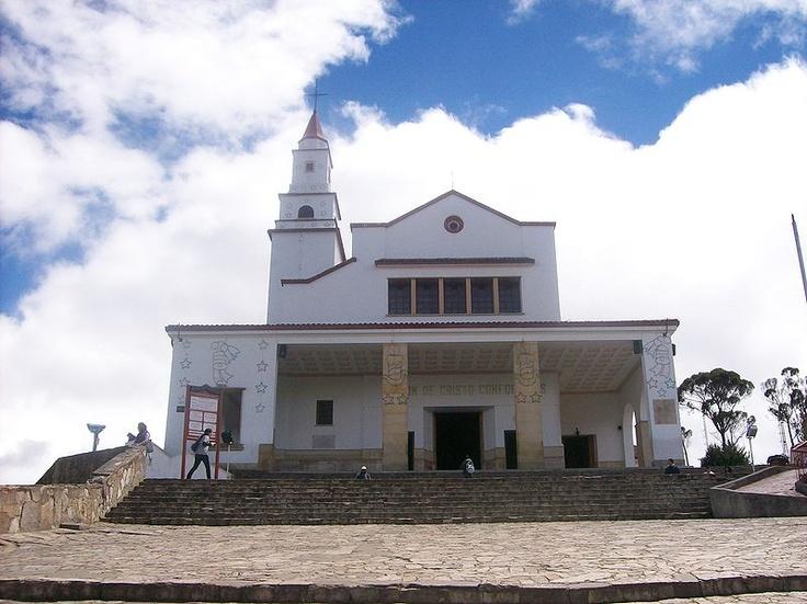 Bogota - Monserrate vista de la iglesia del Señor Caido.  La Basílica Santuario del Señor Caído de Monserrate, es una basílica menor de culto católico romano que se encuentra en la cima del cerro de Monserrate, al oriente de Bogotá (capital de Colombia), la cual está consagrada bajo la advocación del Señor Caído de Monserrate. La basílica es un santuario de peregrinación que hace parte de la Arquidiócesis de Bogotá.