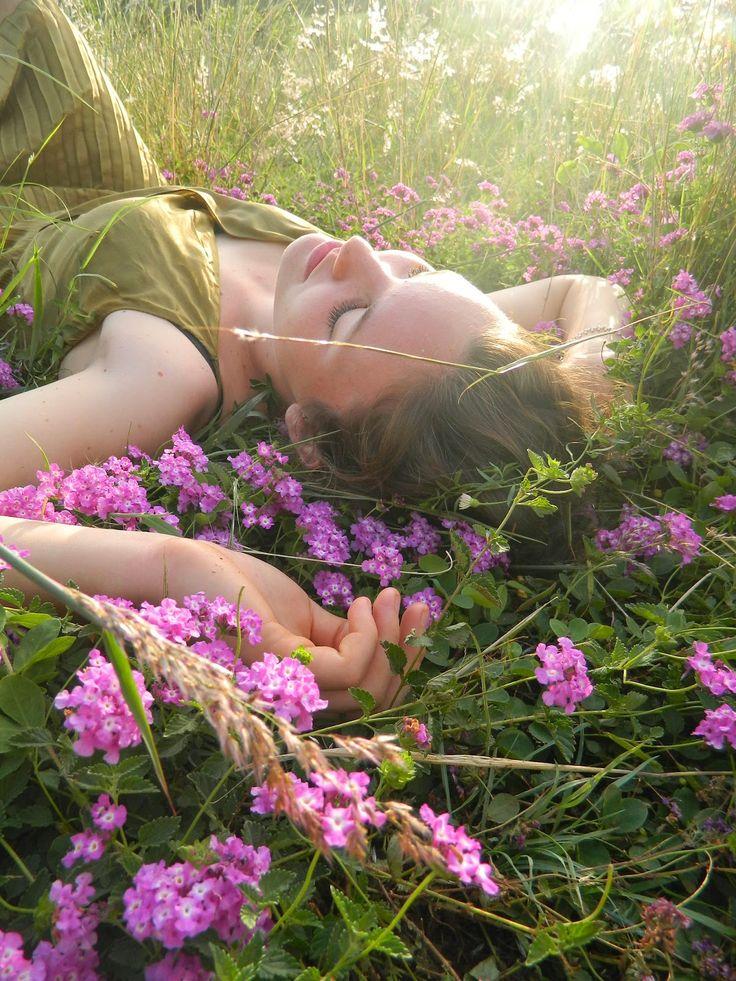 I imagine Cecilia like this, in a colour-filled dream!