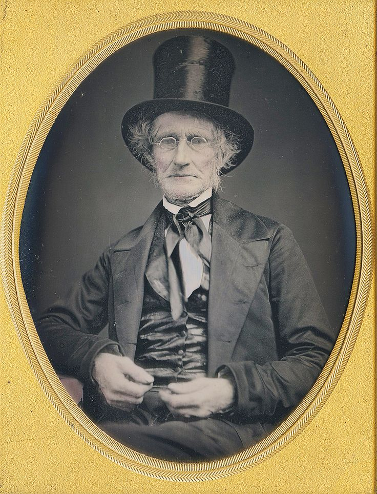 quarter plate man wearing a top hat Dennis A. Waters Fine Dags
