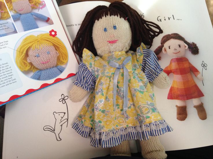 Elizabeth Glovely:  Happy Gloves by Miyako Kanamori & Crafty Dolls by Jane Bull. Made by northstar62