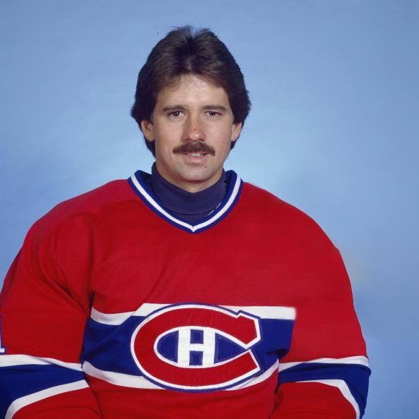 Doug Soetaert a été repêché en 2e ronde (30e au total) par les Rangers de New-York à la séance de repêchage de la LNH de 1975. Il joue 8 matchs en saison régulière avec les Rangers dès la saison suivante mais jusqu'en 1981, il partage son temps entre la formation new-yorkaise et son club école dans la ligue américaine, les Nighthawks de New-Haven. Au début de la saison 1981-1982, Soetaert est échangé aux Jets de Winnipeg.