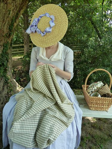 Colonial Williamsburg Dresses for Women | Another view of the hat, this time from the top,