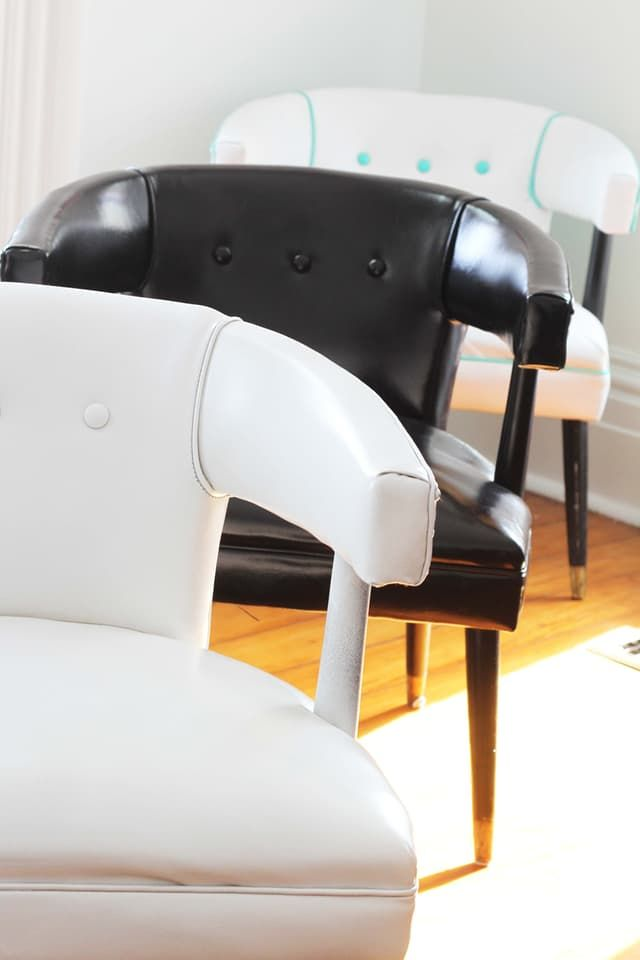 So what's the deal with vinyl spray paint: does it work, or is it a waste of time? I put three different paints to the test on three of the exact same chairs and was pretty surprised with the results.