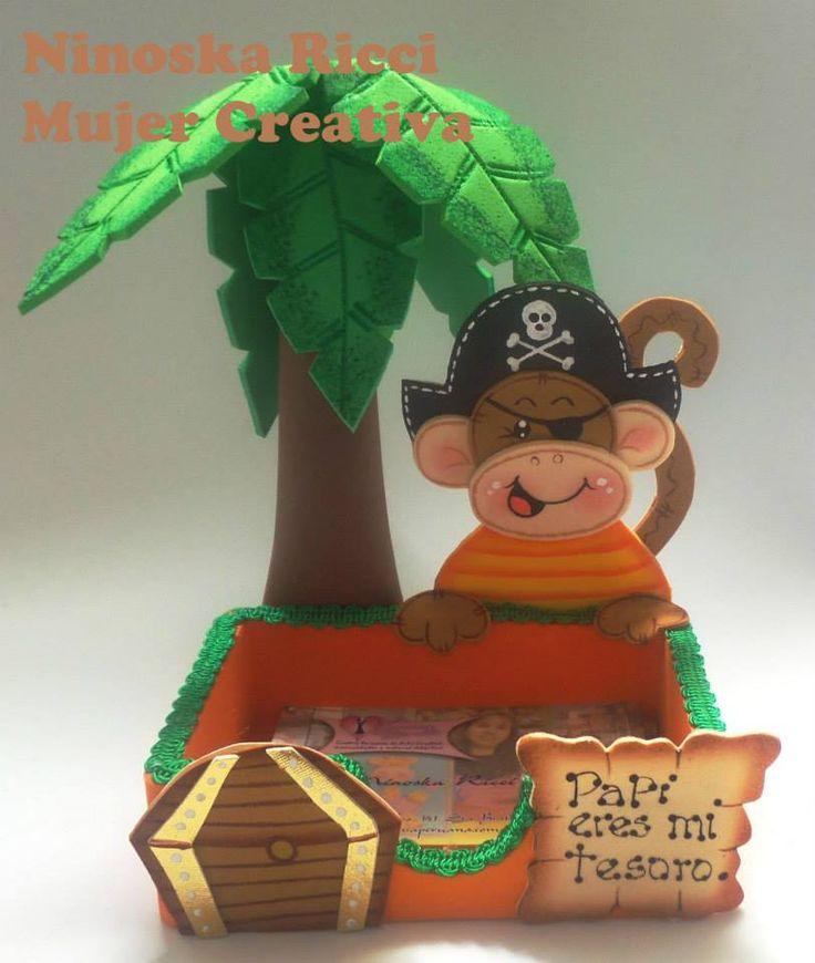 Tarjetero con mono pirata