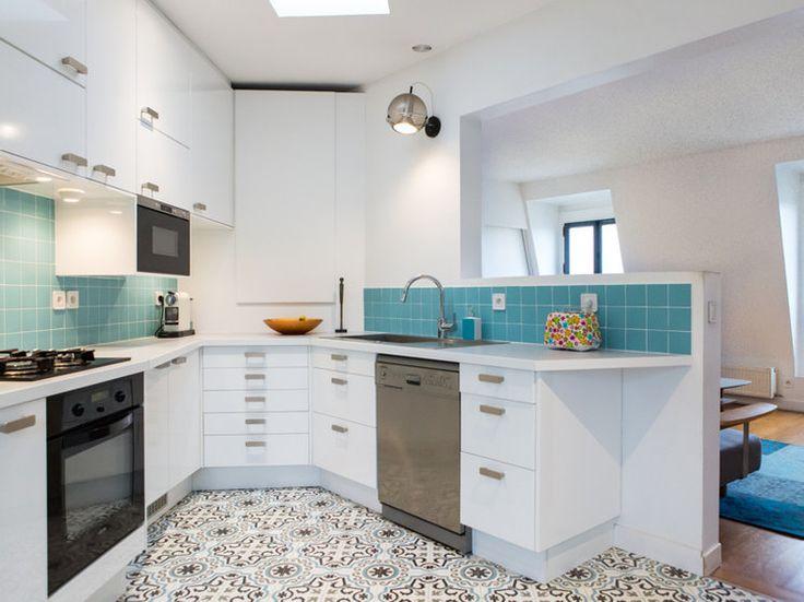 Les cuisines ouvertes sont devenues, au fil du temps, les véritables stars de la maison. Grâce à l'abattement des cloisons, elles révolutionnent nos intérieurs et les plongent dans une nouvelle dimension. Voici, en images, des exemples de ces cuisines actuelles imaginées par les professionnels de la déco.