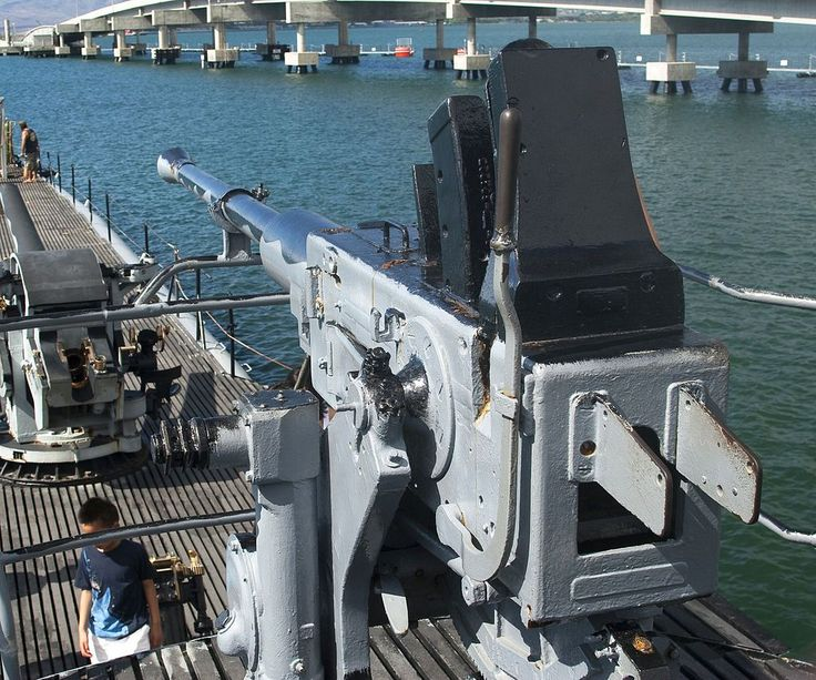 40 mm Anti-Aircraft gun aboard the USS Bowfin (SS-287).
