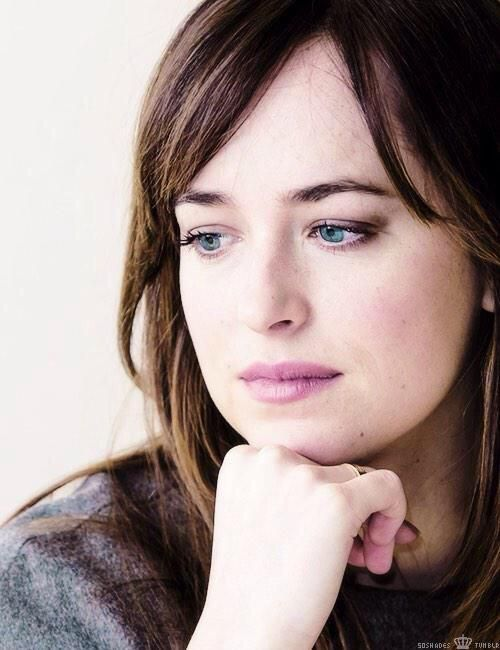 #DakotaJohnson