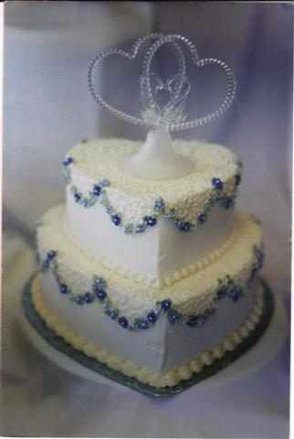pretty cake for the blue wedding theme...adorable for bridal shower