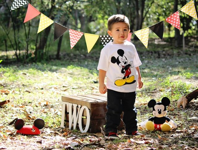 Mickey Mouse photo session