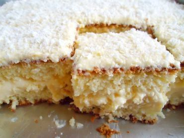 Bolo de Leite Ninho- Brazilian no-bake cake  (recipe in Portuquese)
