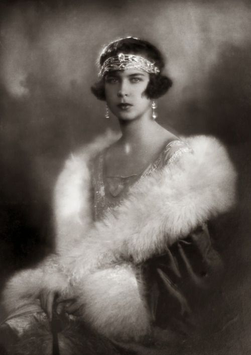 Marie Jose, Queen of Italy c. 1926 Hulton Royals Collection At death her full title was: Her Majesty Queen Marie José Charlotte Sophie Amèlie Henriette Gabrielle von Sachsen-Coburg und Gotha de Belgique y Wittelsbach von Baiern ved. Savoia, Dowager Queen of Italy, Princess of Belgium.