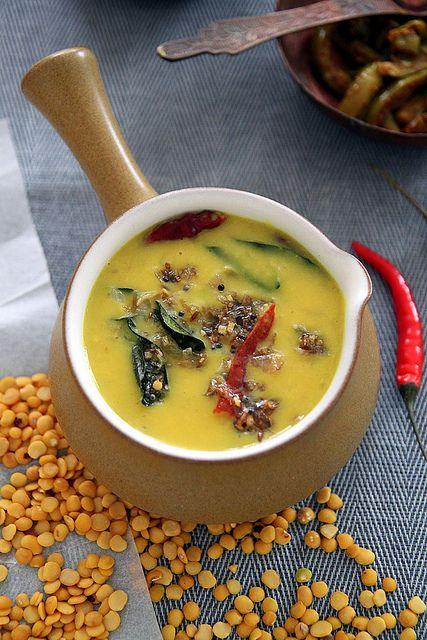 Lentils with coconut milk (parippu curry)