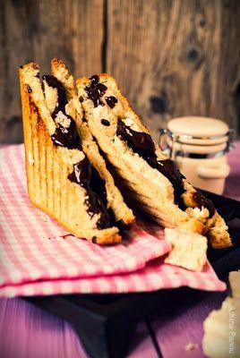 Πρωινό: Τοστ με μπανάνα, σοκολάτα και χαλβά !