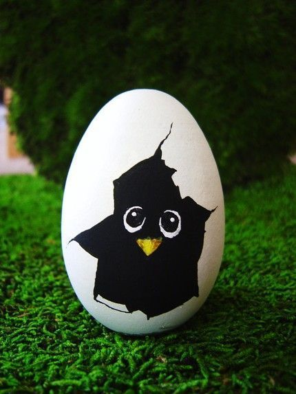 What a cute Easter Egg idea could be painted on a stone