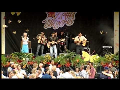 Lauku muzikanti - Vins rugtakais - YouTube