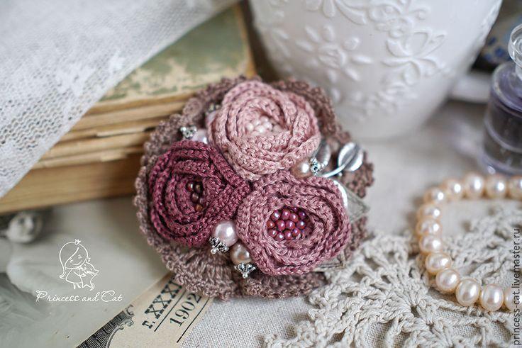 """Купить Брошь """"Розы любви"""" - бежево-розовый, розовато-лиловый, лиловый, брошь"""
