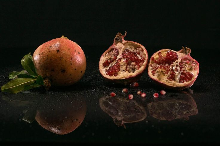 fruits project: pomegranate  Stella Fruit selection Farra di Soligo TV  www.mauromilan.com . Want your product featured? Contact me . #instafood #food #yummy #foodporn #foodie #instamoment #fashionfood #instalike #picoftheday #cibo #foodpassion #foodart #foodpic #thebestfood #foodstyling #foodlove #foodpost #foodphotooftheday #foodlovers #foodblogger #ilovefood #italianfoodphotographer #canon #italianfood #madeinitaly #bontaitaliane #eccellenzaitaliana #yum  #fruits #pomegranate