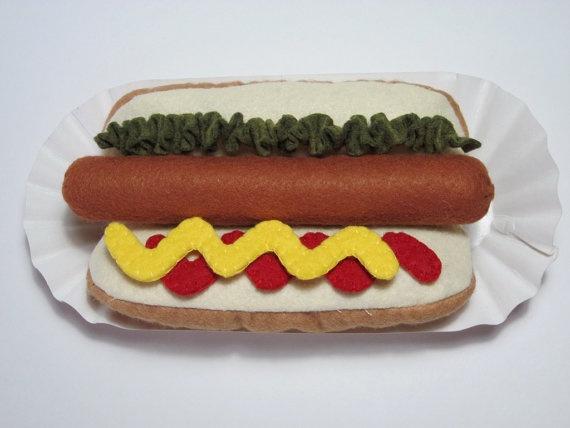 Felt Food Hot Dog & Bun by FiddledeeDeeCraft on Etsy, $15.00